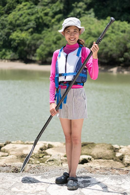 水が苦手な方用のSUPツアー参加時の服装(ベストタイプのライフジャケット着用)の参考例